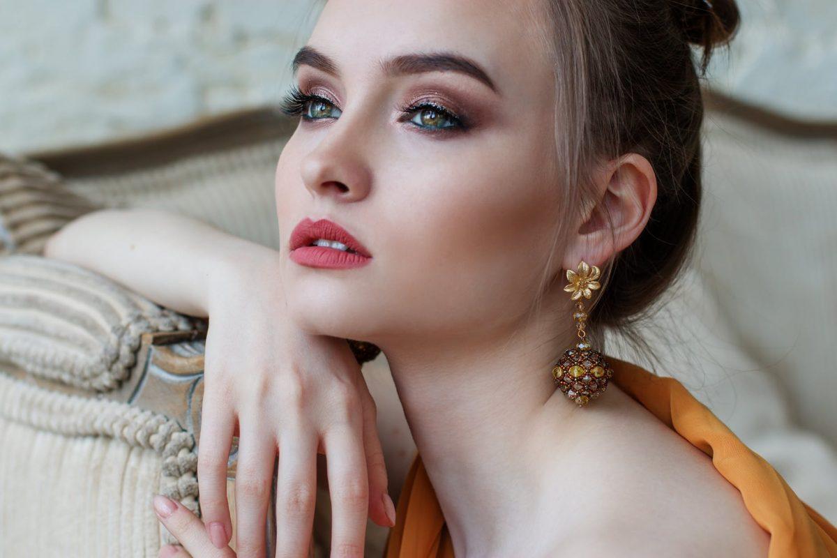 Banatul ramane fruncea: De ce sa devii model la un studio de videochat din Timisoara?